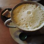 はなさか - ちびつぬは、豆乳カフェラテ。 どちらのドリンクにも、ちょこっと焼き菓子が 付けてもらえてて嬉しいです。