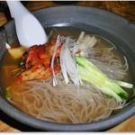 牛仁 - 韓国冷麺