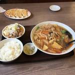 55306413 - めん王にAモツ煮定食のセット