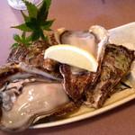 海味 魚がし - 岩牡蠣!!1つ400円しなかったです!ビックリ!!美味しい!!