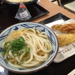 丸亀製麺 イオンモール大日店 - かけうどん<温・並>(290円)+かしわ天(130円)