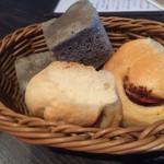 草加パリ食堂 エルブ - レベルが高い自家製パン