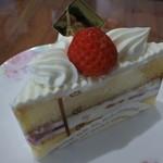 パティスリー シュシュクリエ - ショートケーキ
