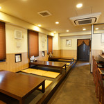 山本屋 - 広々としたお座敷のお席 個室もございます。