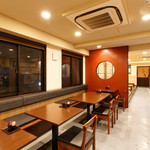 山本屋 - テーブル席