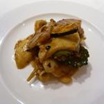 大阪 聘珍樓 - つぶ貝と季節野菜の豆鼓炒め