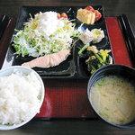 ロッヂ富士見苑 - 料理写真:朝食(和食ビュッフェ)