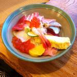 三春寿司 - 地魚おまかせ丼