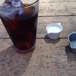 ライフズ コーヒースタンド - アイスコーヒーでリフレッシュ