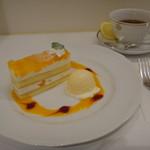 資生堂パーラー - 桃とりんごのケーキセット