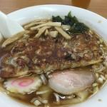 福ちゃんの店 - 川幅餃子ラーメン800円