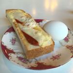 55330190 - Dモーニング(ピザトーストハーフ、ゆで卵)