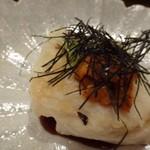 kasane - ◆ご主人の修業先名物の「焼きごま豆腐」に「ウニ」がのせられています。             添えられた山葵や甘めのタレで頂きます。