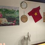 フォン フォー - 店内はベトナムのBGMが流れ小物もベトナムの物が飾られています!