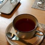グリシーヌ - 紅茶。