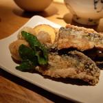 茶茶花 - 秋刀魚と煮里芋の竜田揚げ(950円)