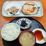 二条食品 - 二条食品@バスセンター前 活ホタテ定食