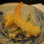 日本料理 花座 - ・海老・隠元豆 ・玉蜀黍掻き揚げ カレー風味塩で!