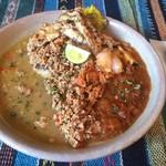 堕天使かっきー - ・鯛出汁×鶏キーマの二層カレー                             ・エビ出汁なすカレー活きエビのマスタード和えのせ                             ・丹波鶏せせり+生とうがらし