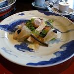55340780 - 両親の前菜:・タケノコと山菜のサラダ 梅風味の真鯛添え