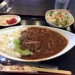 焼肉 福ちゃん ひびきの店 - 牛たん入りカレー 980円