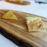 Ristorante incantina - リグーリア名物ひよこ豆のお焼き「ファリナータ」  ストラッキーノチーズを挟んだレッコ名物薄焼きフォカッチャ「ディ レッコ」