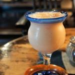 藍花珈琲店 - 桃ジュース、お洒落なグラスに入れてくださいました