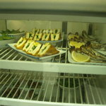 竹田酒販 - 料理写真:有る物を取って来て食べる