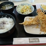 シュークレー - 料理写真:海老のじゃがパリ揚げ定食 950円