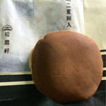 松岡軒 - 羽二重餅入☆どら焼き 大きくドラえもんが好きそう
