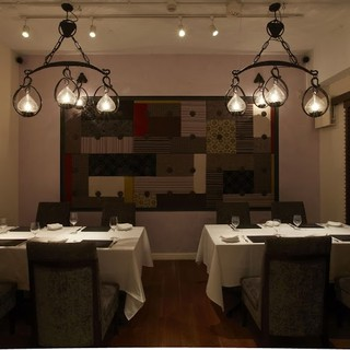 様々なシーンに御利用いただける個室も完備したレストラン