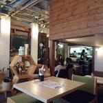 アネアカフェ - 店内はゆったりした空間になっています☆