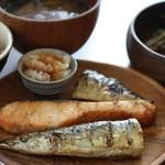 ネマルカフェ - 焼き魚3種盛り定食