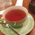 ショパン - コーヒーが飲めないので、紅茶をいただきました。