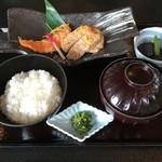 村民食堂 - 豚肉と信州サーモンの粕味噌焼き定食('16/08/29)