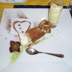 グラディナータ・ノルド - クルミ入りパルフェ、ティラミス、さつまいものパウンドケーキ、マンゴープリン
