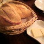 ビストロ クロシェット - パン