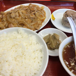 梅華楼 - 日替定食 800円  豚肉と玉葱の餡掛け