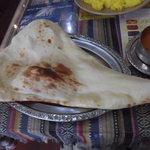 インドネパール料理 ラージャ - Bセットのナン モチモチ系(ゝω・)