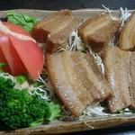 よつ竹 - ラフテー。生姜が利いてて美味。野菜もたっぷり。