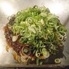 今生焼  - 料理写真:王道のそば(肉玉そば+イカ天+ネギ)