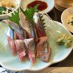 寿司源 藤沢大庭店 - さんま刺身@800円 つまに茗荷も混ぜてあり さんまと一緒に食べると うんま〜o(*º▽º*)o✨