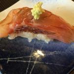 寿司源 藤沢大庭店 - 真鯛のヅケ@135円