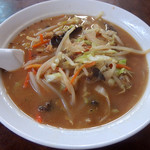 上海飯店 - 味噌野菜麺+半チャーハン(650円)