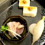 焼き鳥ひよこ - 前菜です (^_^)b
