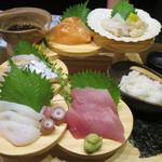津軽の酒処 わたみ - 名物!鮮魚の階段盛り 1,290円