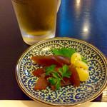志津香 - ビールを頼むと、アテで奈良漬けが出てくるのは、奈良ならでは。