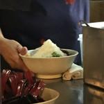 らーめん 豚鬼 - かき氷ラーメン完成!