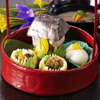 日本の美しい四季の彩りを一椀一椀に映した会席