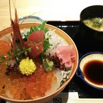 55395417 - 豪快漁師の海鮮丼  1.480円♪
